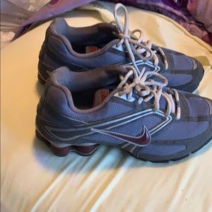 Nike Shock Size 7